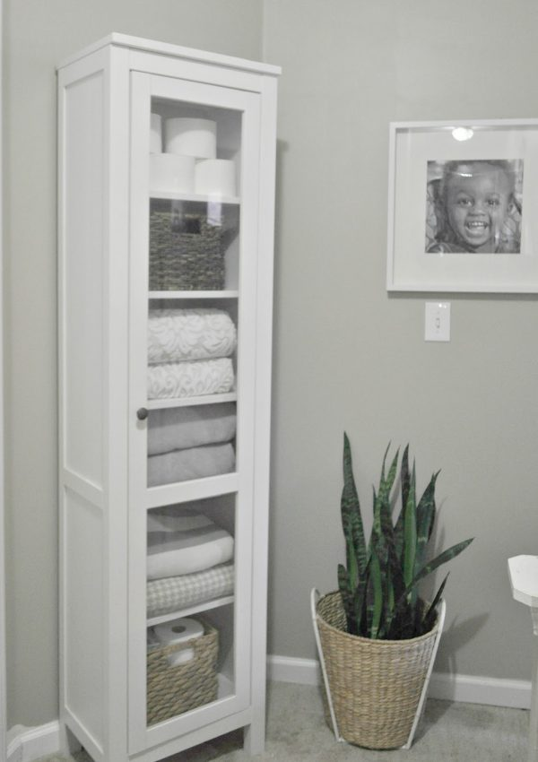 5 Simple Ways to a Pretty Guest Ready Storage Cabinet