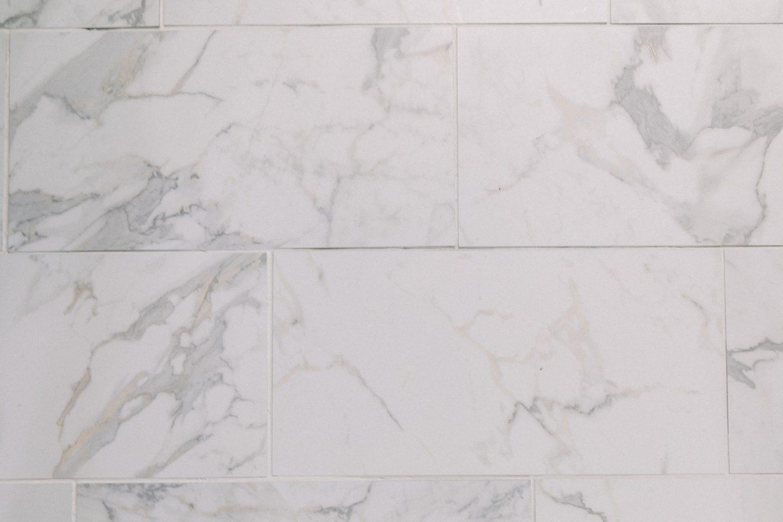 quintile by daltile calacatta porcelain tile